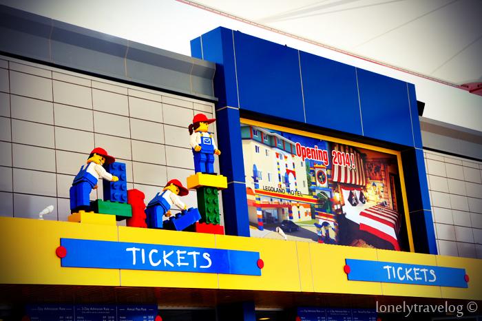 Legoland: Tix counter