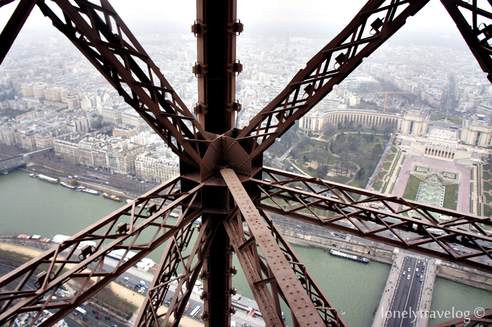Lift Eiffel Tower